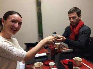 How to pour sake